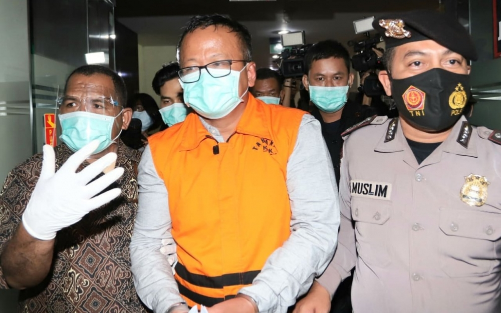 Named a suspect, Indonesian Minister apologises to Presidents Jokowi and Prabowo