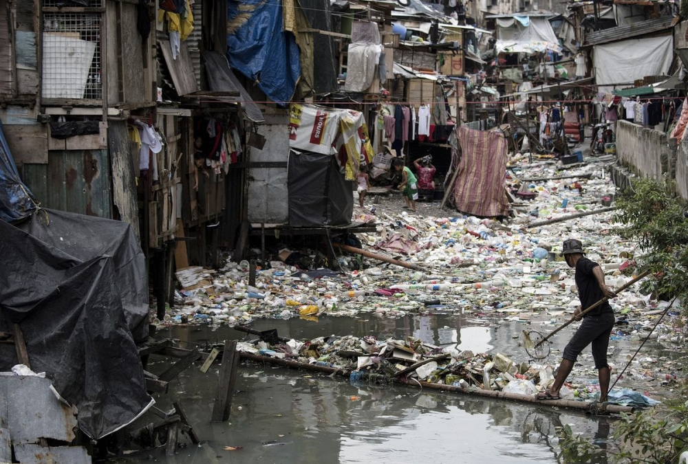 The Philippines is Making Roads and Cement With Plastic Garbage