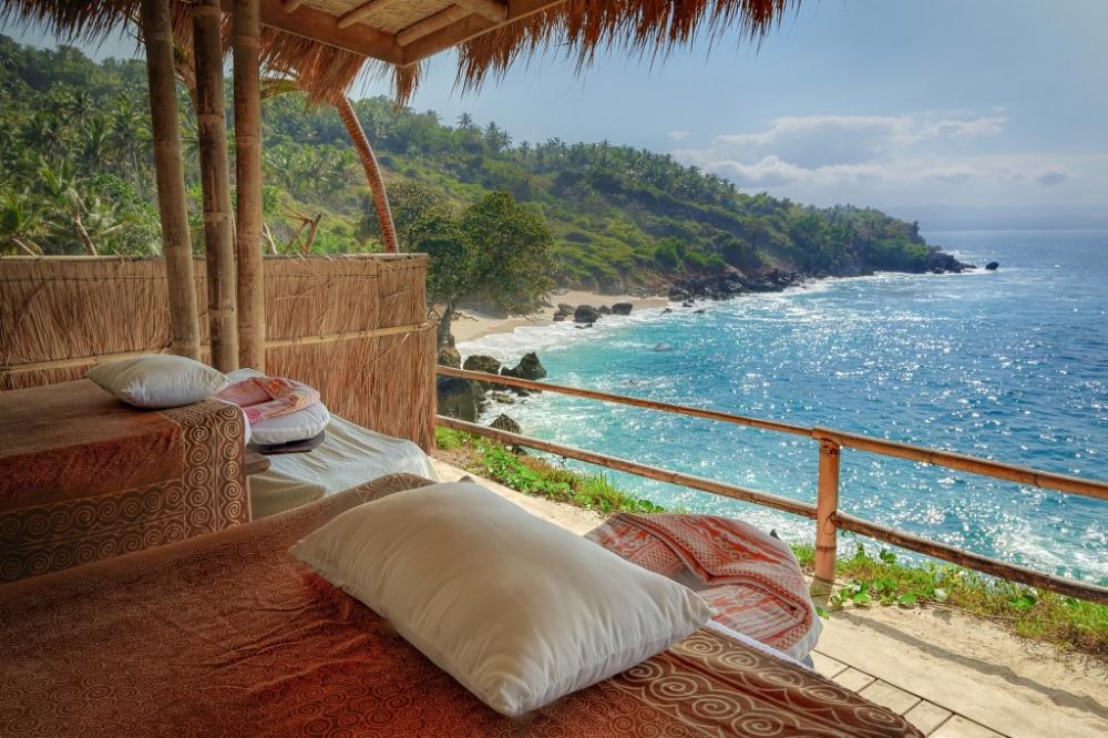 Inside The World's Best Hotel : Nihiwatu Resort in Sumba, Indonesia