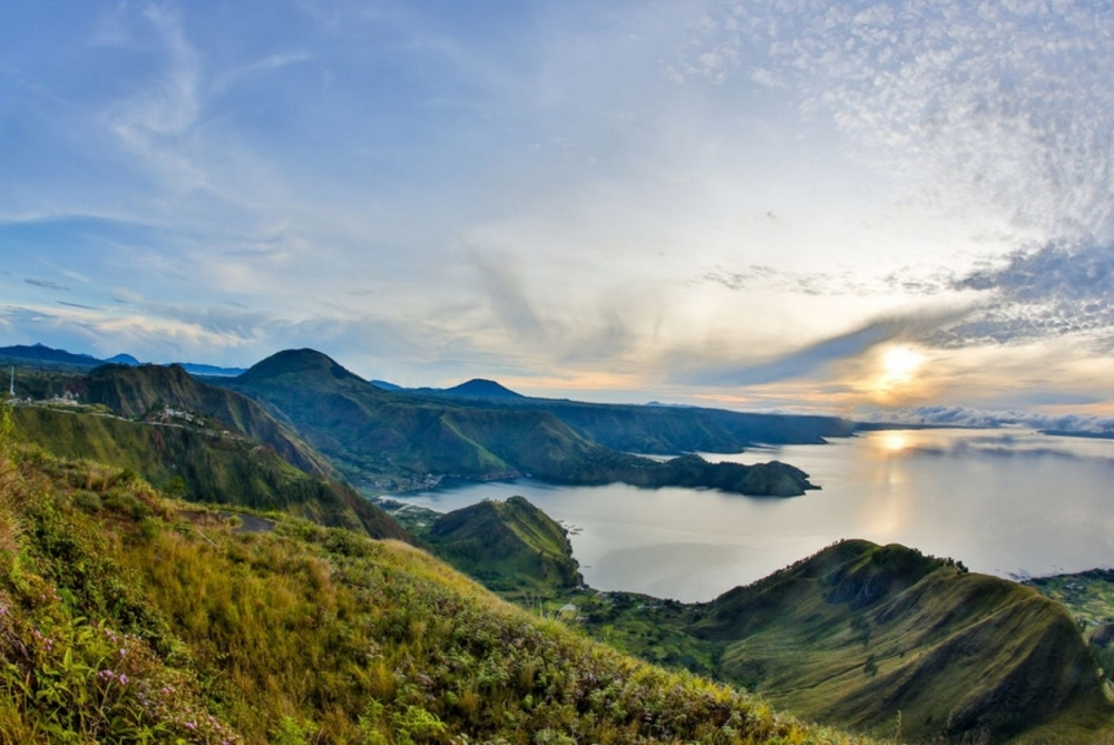 The World Now Closer to Earth's Largest Volcanic Lake