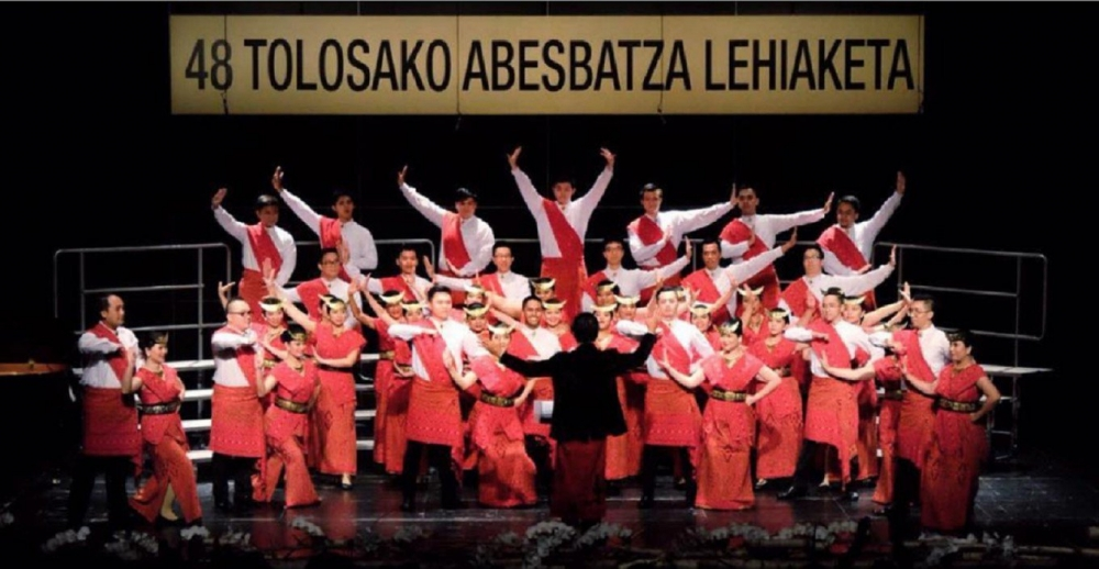 Indonesian Choir Brings Home Trophy from Spain