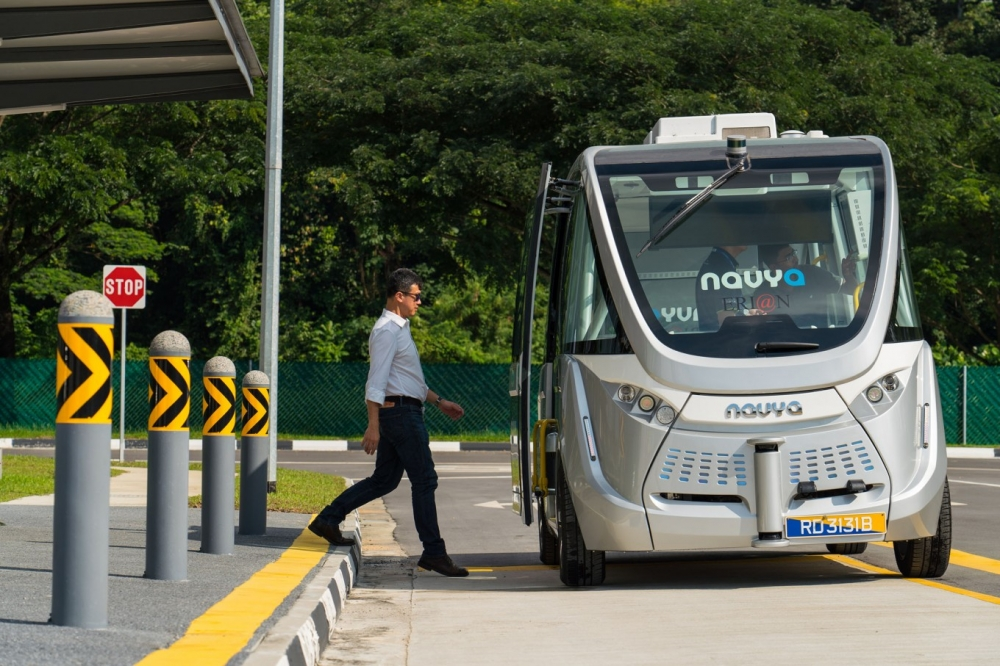 World's First Driverless City Gives Singapore Edge in Race to Robot Buses