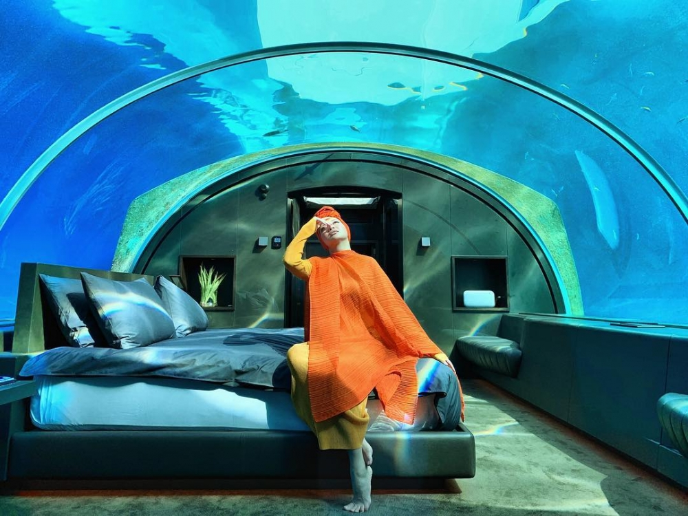 This Malaysian Celebrity is The Third Person In the World to Experience World's First Ever Undersea Residence
