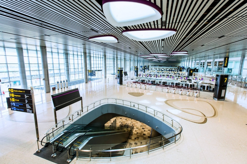 PHOTOS : Changi Airport Terminal 4. Fun and Advanced