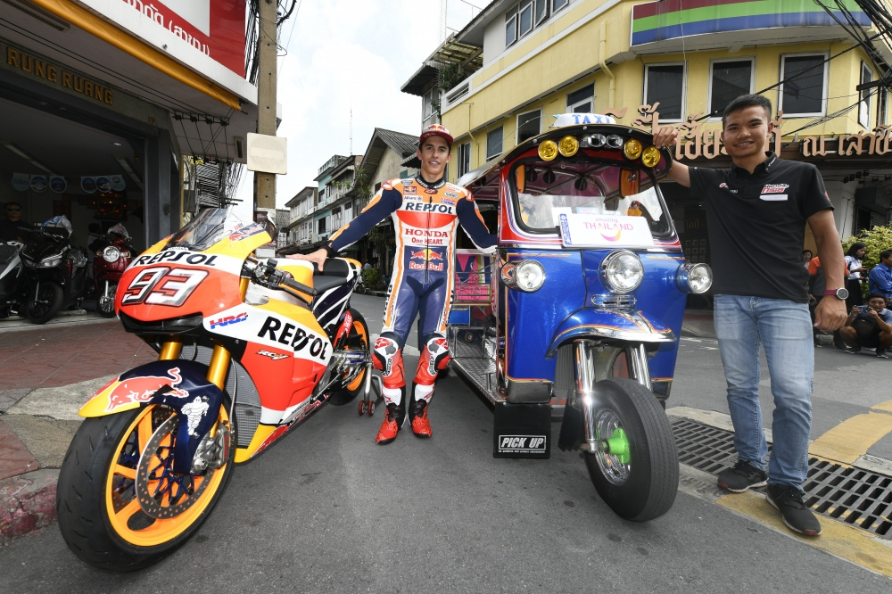 MotoGP World Champion Marc Marquez Explores Bangkok by Tuk Tuk