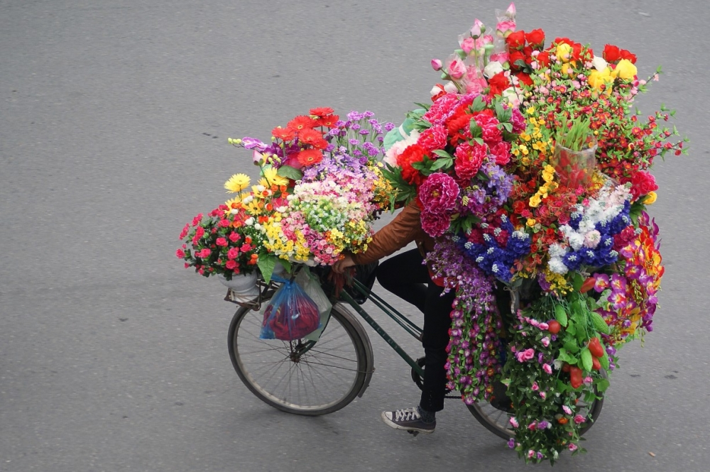 (Photos) The Beauty of Vietnam's Street Vendors from Above