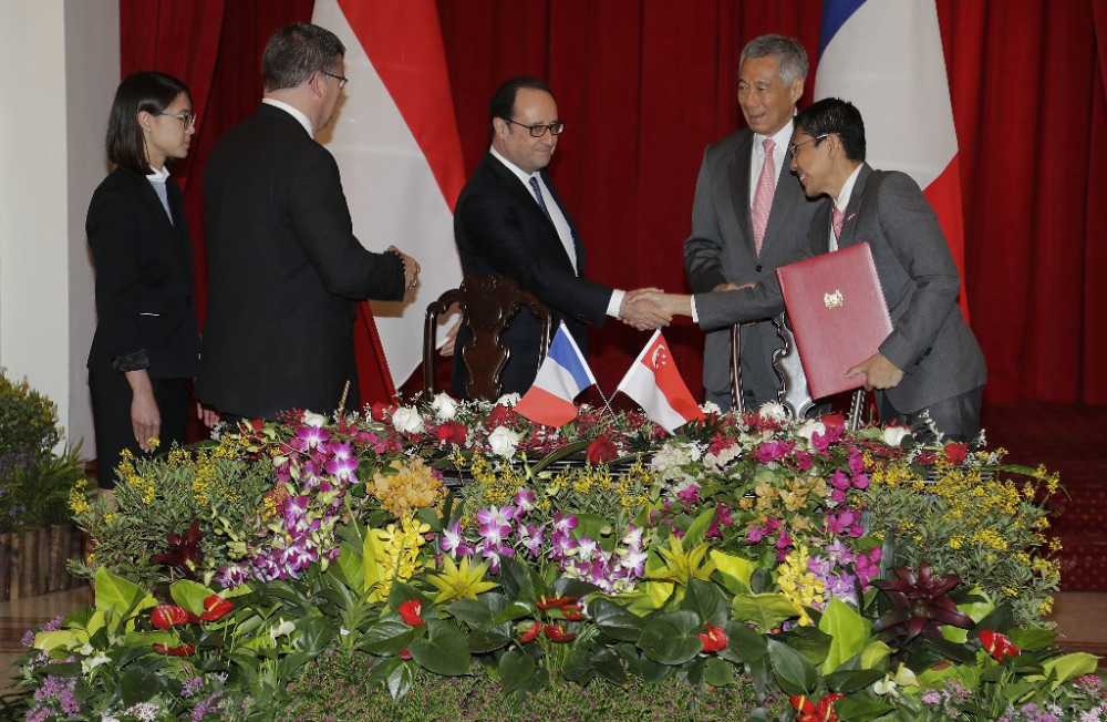 France Strengthens Ties with Singapore to Beat Protectionism
