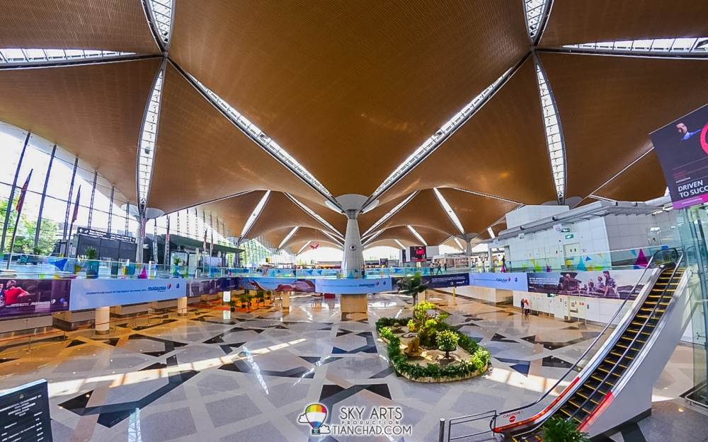 Photos & Facts : Malaysia's Best and Busiest Airports