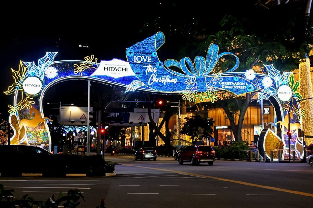 ORCHARD ROAD: A Great Street for Welcoming Christmas