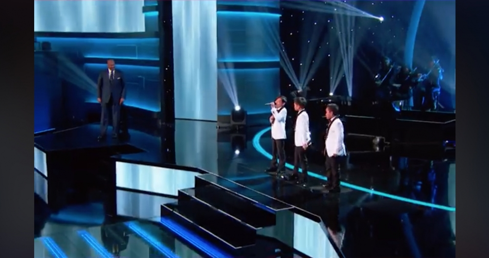 Filipino Boys 'Wow' The Crowd With Beyonce's Listen. What a Giant Talent They Have!