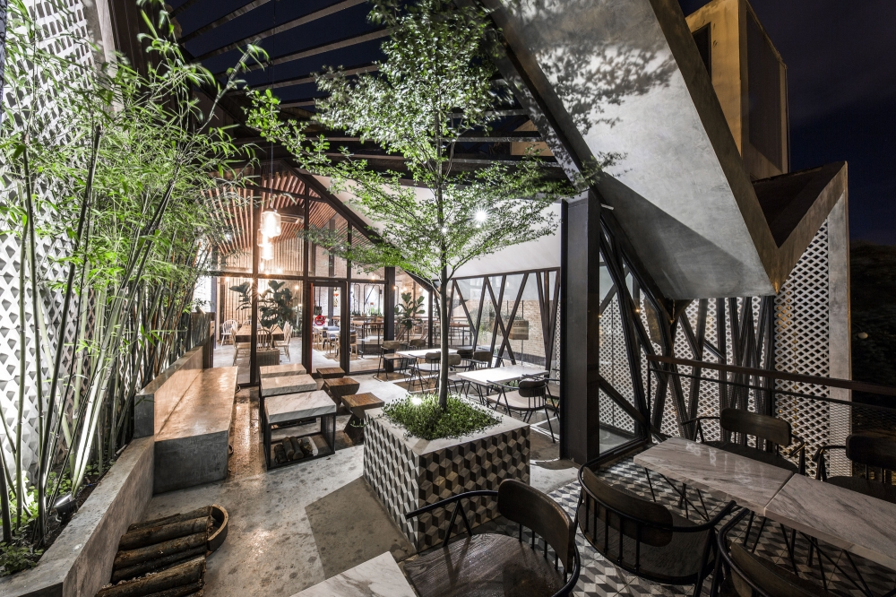 (Photos) The Hanging Garden In Vietnam's Steel-Framed Cafe