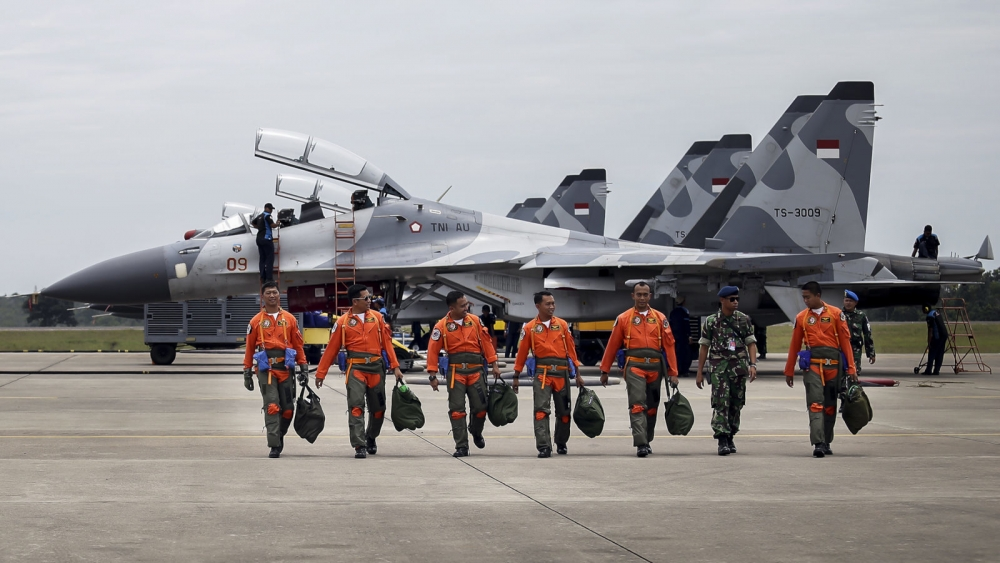 Indonesia, Russia Sign MoU to Trade Palm, Coffee for Jet Fighters