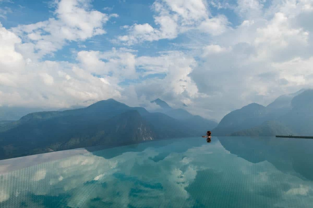 Meet The Hotel With Gorgeous, Infinity Pool In The Clouds