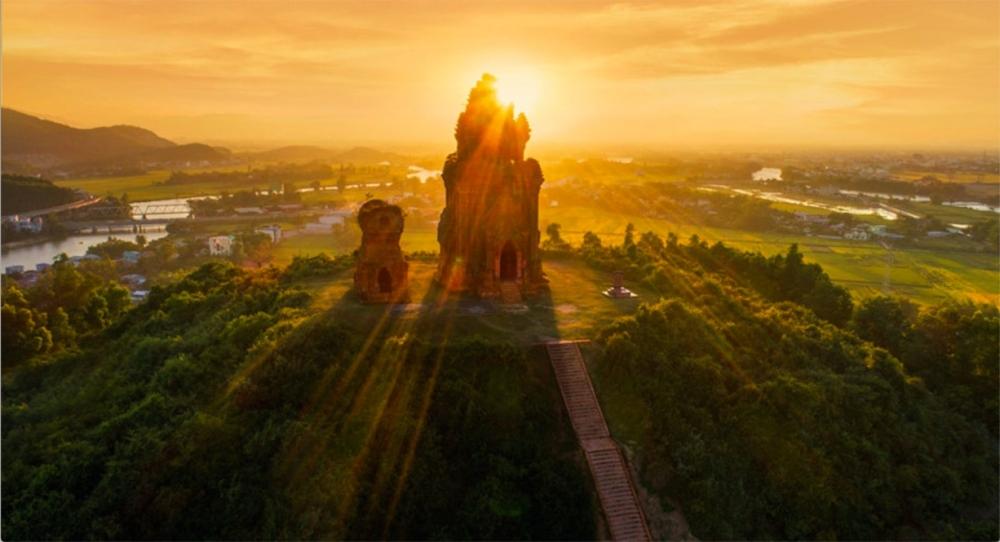 PHOTOS: Spectacular Vietnam from Bird's Eye View
