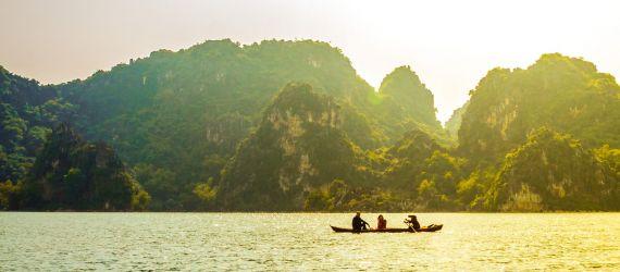 PHOTOS: Romantic Lakes across Vietnam