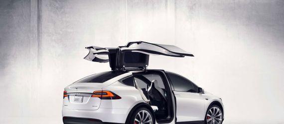 Tesla to Roll On Roads in Jakarta as ... Taxi!
